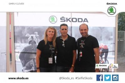 Miguel Indurain en La Vuelta con Skoda